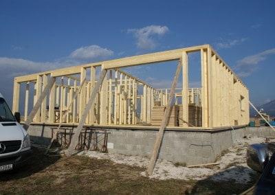 Drevená nosná stĺpiková konštrukcia