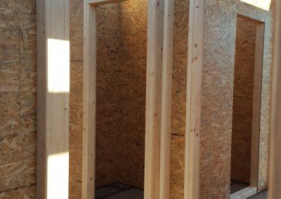 interiér novovznikajúceho drevodomu